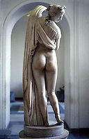 Greek Art:  Callipygian  Venus, back view.  National Museum, Naples.  Photo '83.