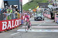 ITALIA - 30-05-2014. Nayro Quintana, ciclista colombiano del equipo Movistar, durante etapa 19 entre entre  Bassano del Grappa y Cima Grappa sobre 26,8  kilómetros, en la versión 97 del Giro de Italia / Nayro Quintana, Colombian cyclist of the Movistar Team during the stage 19 between  Bassano del Grappa y Cima Grappa about 26,8   kilometers, in version 97 of the Giro d'Italia.    Photo: VizzorImage/ Marco Alpozzi/ LaPresse……….VIZZORIMAGE PROVIDES THE ACCESS TO THIS PHOTOGRAPH ONLY AS A PRESS AND EDITORIAL SERVICE AND NOT IS THE OWNER OF COPYRIGHT; ANOTHER USE HAVE ADDITIONAL PERMITS AND IS  REPONSABILITY OF THE END USER