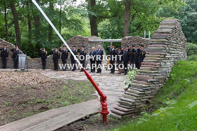 Arnhem, 160612<br /> Onthulling Nationaal Brandweermonument.<br /> Foto: Sjef Prins- APA Foto