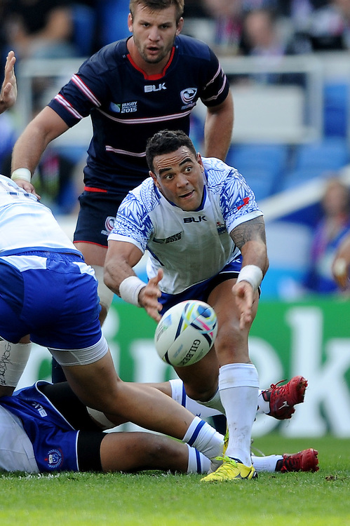 Kahn Fotuali'i of Samoa passes during Match 6 of the Rugby World Cup 2015 between Samoa and USA - 20/09/2015 - Brighton Community Stadium, Brighton <br /> Mandatory Credit: Rob Munro/Stewart Communications