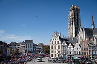 peloton rolling through Mechelen<br /> <br /> Women Elite - Road Race (WC)<br /> from Antwerp to Leuven (158km)<br /> <br /> UCI Road World Championships - Flanders Belgium 2021<br /> <br /> ©kramon