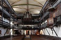 Europe/France/Aquitaine/64/Pyrénées-Atlantiques/Pays-Basque/Sare: Intérieur de l'église  Saint-Martin - les galeries en bois de la nef et la chaire peinte du XVIII éme