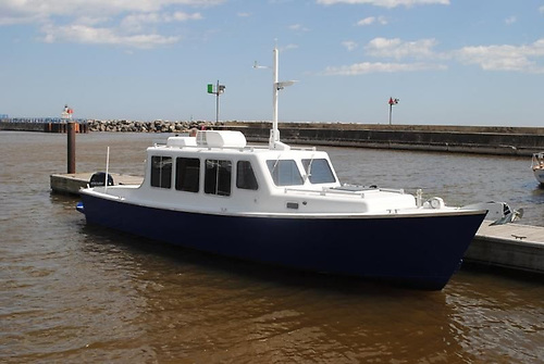 Don O'Keeffe has given the 33 Eco-Trawler a stylish yet modest sheerline