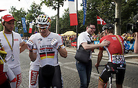 André Greipel (DEU/Lotto-Soudal) is absolutely relieved after his first (but most prestigeous) sprint finish during this Tour, copy-ing last years victory on the Champs-Elysées.<br /> <br /> Final stage 21 - Chantilly › Paris (113km)<br /> 103rd Tour de France 2016
