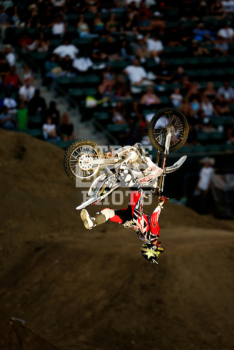 Mike Mason competes in the Moto X Freestyle elimination round during X-Games 12 in Los Angeles, California on August 5, 2006.