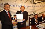 RAINER STEFANO MASERA RICEVE IL PREMIO<br /> PREMIO LETTERARIO CAPALBIO 2002