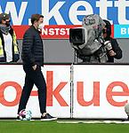17.10.2020, Schwarzwald Stadion, Freiburg, GER, 1.FBL, SC Freiburg vs SV Werder Bremen<br /><br />im Bild / picture shows<br />Trainer Florian Kohfeldt (Bremen)<br /><br />Foto © nordphoto / Bratic<br /><br />DFL REGULATIONS PROHIBIT ANY USE OF PHOTOGRAPHS AS IMAGE SEQUENCES AND/OR QUASI-VIDEO.