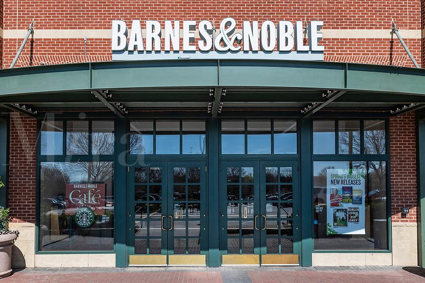 Exterior of Barnes and Noble bookstore, Mall of Georgia, Beuford, Georgia, USA.