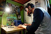 Roma 2/5/2020. Coronavirus, tecnologia e giovani. Dall'inizio della pandemia di Coronavirus, molti giovani si sono mobilitati per aiutare con i mezzi e la tecnologia a loro disposizione. Fabrizio Giaconella, un ragazzo di 20 anni, ha cominciato a stampare nella sua cameretta, con una piccola stampante 3d, supporti per visiere protettive, donandole a chi ne aveva bisogno nel vicinato. Oggi la voce si è sparsa ed ora riceve richieste da tutta Italia, non soltanto da privati ma da personale medico e aziende. Per far fronte all'enorme richiesta, ha fondato Make it, insieme a quattro amici dell'associazione Visionari, Dario, Anouar, Andrea e Rolando, dove, chi vuole ed ha una stampante 3D, può' attivarsi e dare una mano.<br /> Rome May 2nd 2020. Coronavirus. Technology and the new generation. After Coronavirus spread, many young people mobilized in order to help, making devices with the 3D printer. Fabrizio Giaconella, a 20 years old guy of the association Visionari, founded, together with 4 friends, make it, and began to print protective visors in 3D. The guys make the devices in their rooms, with a small printer and donate them to people who need. He started printing visors for neighbors and now he receives requests from all over Italy.<br /> Photo Samantha Zucchi Insidefoto