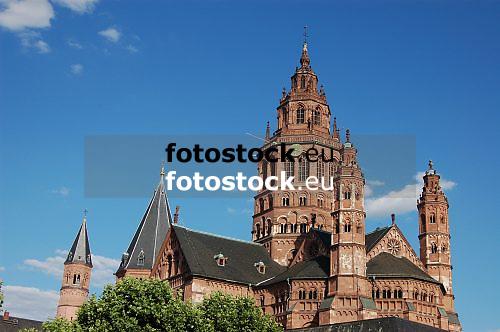Dome Saint Martin in Mainz, Rheinland-Pfalz, Germany, Europe<br /> <br /> Catedral San Martin en Maguncia, Rheinland-Pfalz, Alemania, Europa<br /> <br /> Dom St. Martin in Mainz, Rheinland-Pfalz, Deutschland<br /> Westturm 82,5 m hoch<br /> <br /> original: 3008 x 2000 px<br /> 150 dpi: 50,94 x 33,87 cm<br /> 300 dpi: 25,47 x 16,93 cm