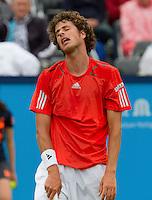 13-06-10, Tennis, Rosmalen, Unicef Open, Robin Haase uit zijn frustratie in zijn partij tegen Greul
