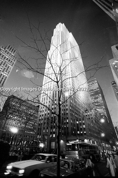 January ,1987 File Photo - New-York (NY) USA -Empire State Building  at night