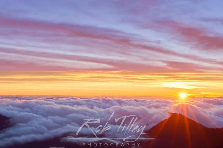 USA, HI, Maui, Haleakala NP, Sunrise