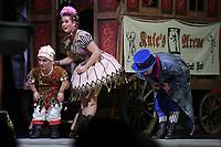 Nadja Scheiwiller und Peter Brownbill / Knie - Das Circus Musical