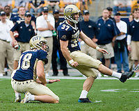 16 September 2006: Pitt kicker Conor Lee (37)..The Michigan State Spartans defeated the Pitt Panthers 38-23 on September 16, 2006 at Heinz Field, Pittsburgh, Pennsylvania.