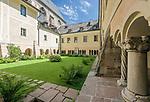 Deutschland, Bayern, Oberbayern, Berchtesgadener Land, Berchtesgaden: koenigliches Schloss - Innenhof | Germany, Upper Bavaria, Berchtesgadener Land, Berchtesgaden; Royal Castle - Courtyard