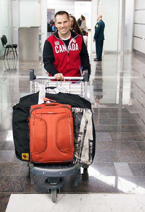 Warren Thirsk, Sochi 2014.<br /> Team Canada arrives at the airport in Sochi for the Sochi 2014 Paralympic Winter // Équipe Canada arrive à l'aéroport de Sotchi pour Sochi 2014 Jeux paralympiques d'hiver. 03/03/2014.