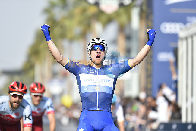 Race leader Elia Viviani (ITA) Quick-Step Floors wins Stage 5 The Meraas Stage final stage of the Dubai Tour 2018 the Dubai Tour's 5th edition, running 132km from Skydive Dubai to City Walk, Dubai, United Arab Emirates. 10th February 2018.<br /> Picture: LaPresse/Fabio Ferrari   Cyclefile<br /> <br /> <br /> All photos usage must carry mandatory copyright credit (© Cyclefile   LaPresse/Fabio Ferrari)