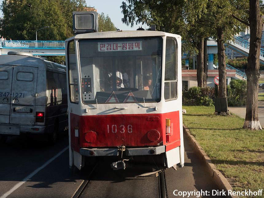 Straßenbahn in Pyongyang, Nordkorea, Asien<br /> sreetcar in Pyongyang, North Korea, Asia