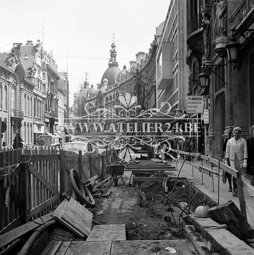 Juli 1972. Bouw premetro in Antwerpen.  Meir winkelstraat.
