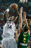 Lamar ODOM (USA) shoots over Renaldas SEIBUTIS (Lithuania)  during the semi-final World championship basketball match against Lithuania in Istanbul, USA-Lithuania, Turkey on Saturday, Sep. 11, 2010. (Novak Djurovic/Starsportphoto.com) .
