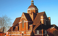London: Hampstead Garden Suburb, Free Church from southeast. January morning tour. Photo '90.