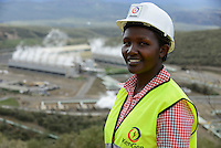 KENYA Naivasha, 140 MW geothermal power plant Olkaria IV of KenGen the kenyan power company, scientist Risper Sangut / KENIA Naivasha, 140 MW geothermisches Kraftwerk Olkaria IV des kenianischen Energieversorger KenGen, Wissenschaftlerin Risper Sangut