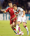 Spain's Cesar Azpilicueta (l) and Germany's Gotze during international friendly match.November 18,2014. (ALTERPHOTOS/Acero)