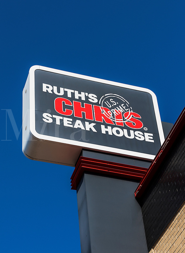 Ruth's Chris Steak House, sign and logo,