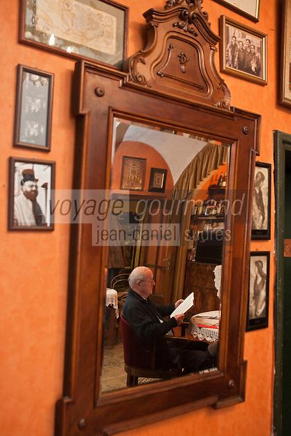 Europe/Voïvodie de Petite-Pologne/Cracovie: Restaurant Klezmer-Hois, restaurant de cuisine juive qui organise des concerts de musique juive traditionnelle