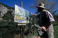 Europe/France/Midi-Pyrénées/46/Lot/Env de Saint-Cirq-Lapopie: Peintre et falaises sur le Lot [Non destiné à un usage publicitaire - Not intended for an advertising use]