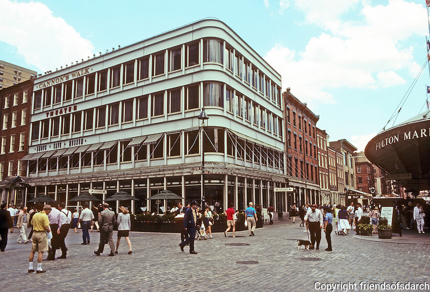 "New York: South Street Seaport. The ""Bogardus"" Building, 1980,  a re-creation of James Bogardus's demountable cast-iron facade by Beyer.Blinder.Belle, known for historic preservation.  Photo '91."