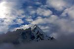 vallée de Huayraccmachay (3850 m, 12600 ft).vue sur le Huamantay a l'aube