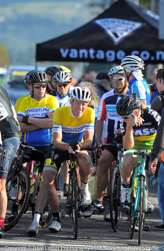 Millars Road circuit race on day two of the 2018 NZ Age Group Road Cycling Championships in Carterton, New Zealand on Saturday, 21 April 2018. Photo: Dave Lintott / lintottphoto.co.nz