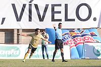 ITAGÜÍ -COLOMBIA-06-10-2013. Jugador de Itagui celebra un gol en contra de Medellin durante partido de la fecha 14 de la Liga Postobón II 2013 jugado en el estadio de Ditaires./ Itagui playe celebrates a goal against Medellin during match on the 14th date of the Postobon League II 2013 played in the stadium of Ditaires.  Photo:VizzorImage/Luis Ríos/STR
