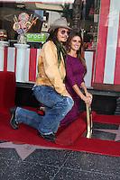 LOS ANGELES - APR 1:  Johnny Depp, Penelope Cruz  at the Penelope Cruz Hollywood Walk of Fame Ceremony at El Capitan Theater on April 1, 2011 in Los Angeles, CA