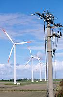 Deutschland DEU Schleswig-Holstein, AN-Bonus Windraeder Windkraftwerk auf Eco Island Pellworm ,  AN-Bonus gehoert heute zur Siemens Gruppe - Wirtschaft Umwelt Nachhaltigkeit nachhaltig wirtschaften Energien erneuerbare alternative regenerative Energie Zukunftsenergie Renewables Umwelttechnologie umweltfreundlich umweltfreundliche EEG Einspeisegesetz Klima Klimaschutz Klimawandel Emission CO2 CO2-neutral Ökoenergie Strom Stromerzeugung Strom Energieverbrauch grün grüne Fonds Anlagen Umweltfonds Wind windig Windpark Windenergie Windkraftanlage Windmühle Windrad Windstrom Windturbine / Germany Northsea eco island Pellworm, AN Bonus windturbine - environment climate climate change save power windenergy renewables renewable windmill windpower wind turbine