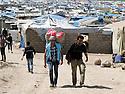 Iraq 2013 .In Domiz Refugee Camp, smugglers making the round trip between Iraq and Syria   .Irak 2013 .Dans le camp de Domiz, des contrebandiers faisant l'aller-retour entre l'Irak et la Syrie