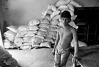 - Villaggio albanese, Queparo (Ceparò, agosto 1993); il garzone del fornaio<br /> <br /> -  Albanian  Village, Queparo (Ceparò, August 1993); the baker's boy