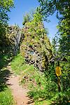 Germany, Thuringia, Ilmenau: Great Hermann's Rock on Kickelhahn mountain (861 m) in Thuringian Forest | Deutschland, Thueringen, Ilmenau: der Grosse Hermannstein auf dem Kickelhahn, 861 Meter hoher Berg im Thueringer Wald, der Goethe-Wanderweg fuehrt hier entlang
