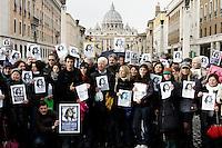 Un momento della marcia silenziosa da Castel Sant'Angelo a piazza San Pietro, in occasione dell'Angelus, per il rilancio della petizione rivolta a Papa Benedetto XVI per fare luce sulla sparizione di Emanuela Orlandi, avvenuta nel 1983, a Roma, 18 dicembre 2011. .UPDATE IMAGES PRESS/Riccardo De Luca