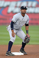 Staten Island Yankees second baseman Angelo Gumbs #21 during game one of the NY-Penn League Championship Series against the Auburn Doubledays at Falcon Park on September 12, 2011 in Auburn, New York.  Staten Island defeated Auburn 9-2.  (Mike Janes/Four Seam Images)