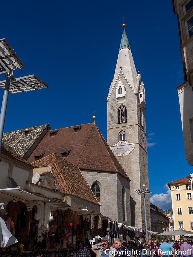 Pfarrkirche St. Michael in Brixen, Region Südtirol-Bozen, Italien, Europa<br /> parish church St. Michael in Brixen, Region South Tyrol-Bolzano, Italy, Europe