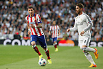 Real Madrid's Sergio Ramos (R) and Atletico del Madrid´s Mandzukic during quarterfinal second leg Champions League soccer match at Santiago Bernabeu stadium in Madrid, Spain. April 22, 2015. (ALTERPHOTOS/Victor Blanco)