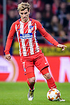 Antoine Griezmann of Atletico de Madrid (R) fights for the ball with Bruno Fernandes of Sporting CP (L) during the UEFA Europa League quarter final leg one match between Atletico Madrid and Sporting CP at Wanda Metropolitano on April 5, 2018 in Madrid, Spain. Photo by Diego Souto / Power Sport Images