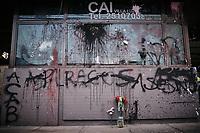 BOGOTA - COLOMBIA, 10-09-2020: Estado en que quedó el CAI Villa Luz en Bogotá durante el segundo día de protestas causadas por el asesinato del abogado Javier Ordoñez, abogado de 46 años, a manos de efectivos de la Policía de Bogotá el pasado miércoles 09 de septiembre de 2020 en el barrio Villa Luz al noroccidente de Bogotá (Colombia). En lo que va corrido del 2020 la alcaldía de Bogotá ha recibido 137 denuncias  de abuso policial de las cuales la Policía acusa recibido de 38.  / State of the CAI Villa Luz in Bogotá during the second day of protests caused by the murder of lawyer Javier Ordoñez, a 46-year-old lawyer, at the hands of members of the Bogotá Police on Wednesday, September 9, 2020 in Villa Luz neighborhood in the northwest of Bogotá (Colombia). So far in 2020 the Bogotá mayor's office has received 137 complaints of police abuse of which the Police accuse they have received 38. Photo: VizzorImage / Alejandro Avendaño / Cont