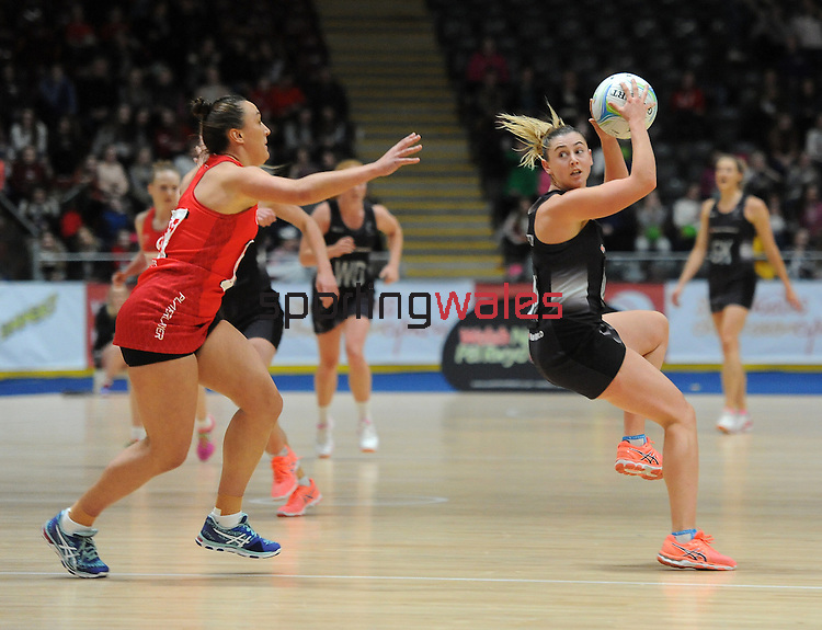 New Zealand's Gina Crampton  <br /> <br /> Swansea University International Netball Test Series: Wales v New Zealand<br /> Ice Arena Wales<br /> 08.02.17<br /> ©Ian Cook - Sportingwales