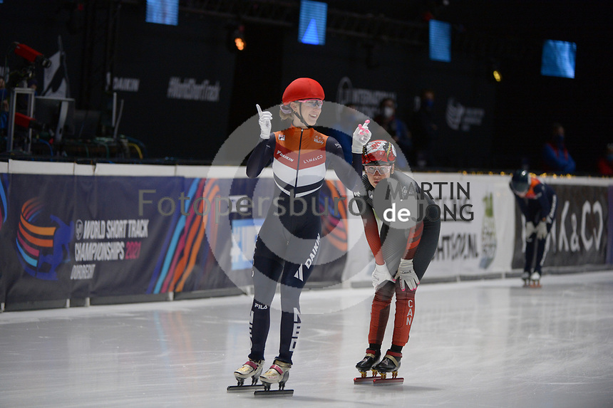 SPEEDSKATING: DORDRECHT: 07-03-2021, ISU World Short Track Speedskating Championships, 3000m Superfinal Ladies, Suzanne Schulting (NED), Courtney Sarault (CAN), ©photo Martin de Jong