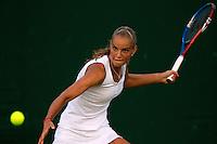 22-06-10, Tennis, England, Wimbledon, Arantxa Rus  loosing first round