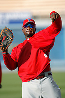 Ryan Howard of the Philadelphia Phillies during batting practice before a game against the Los Angeles Dodgers in a 2007 MLB season game at Dodger Stadium in Los Angeles, California. (Larry Goren/Four Seam Images)